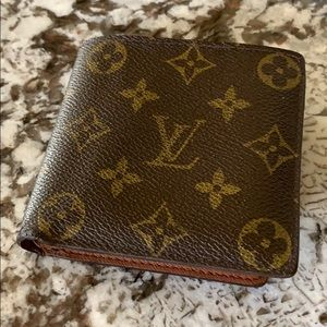 Louis Vuitton men's Marco billfold monogram wallet